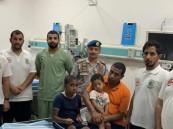 إنقاذ 3 مقيمين ومواطنة من الغرق بقحمة عسير