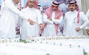 وزير الإسكان يتفقد مشروعات سكنية بالمدينة المنورة ويشّدد على سرعة الإنجاز