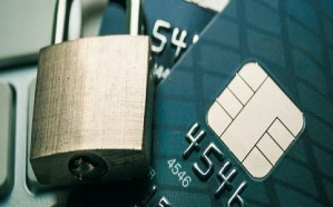 البنوك السعودية توضح تكلفة السحب النقدي من البطاقة الإئتمانية