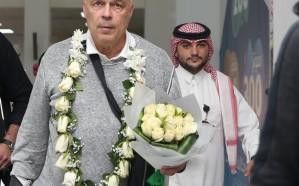 مروّض الدوري يصل جدة ويقود تدريبات الأهلي