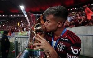 برشلونة يسعى لضم نجم فلامنغو لصفوفه