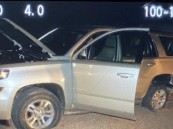 لص يسرق سيارة محملة على متن شاحنة تحت تهديد السلاح بعسير.. وهذا مصيره