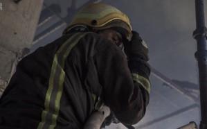 بالصور.. 24 فرقة إطفاء وإنقاذ تخمد حريق برج سكني تجاري تحت الإنشاء بجدة