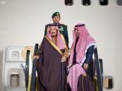 خادم الحرمين الشريفين يصل الرياض بعد أداء واجب العزاء في السلطان قابوس
