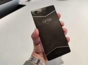 هاتف جديد مصنوع من الكربون.. صلابة وخفة وزن