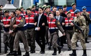 """أردوغان يصعّد حملة """"التطهير"""".. أوامر باعتقال 700 شخص"""