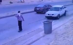 القبض على قائد مركبة دهس عاملاً في حفر الباطن (فيديو)