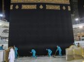 تكثيف عمليات التعقيم والتنظيف أثناء هطول الأمطار على المسجد الحرام