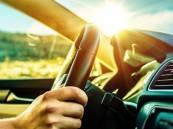 تحذير من الاحتفاظ بـ6 مواد داخل السيارة خلال الصيف (انفوجراف)