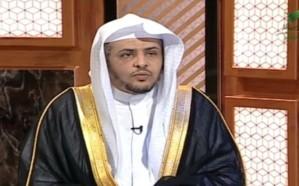 فيديو.. الشيخ المصلح يوضح حكم الانحناء في الصلاة لأخذ شئ من الأرض