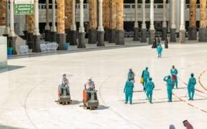 شؤون الحرمين تجند 4 آلاف عامل لتطهير وتعطير المسجد الحرام