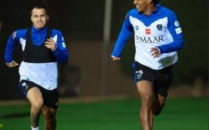 رازفان يقود تدريبات فريقه بعد تعافيه من كورونا