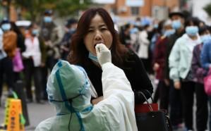 الصين تؤكد أول حالة إصابة بالسلالة الجديدة من فيروس كورونا