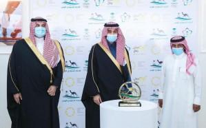 وزير الرياضة يتوج الفائزين في سباق رماح للهجن