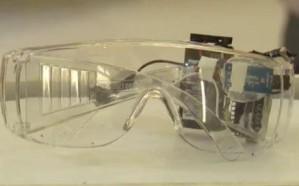 بالفيديو.. طالبة في جامعة حائل تبتكر نظارة شمسية لإيقاظ السائق عند النعاس