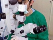 إنجاز طبي .. طبيب سعودي يجري جراحة نادرة لأصغر طفلة