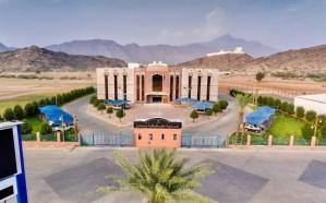 بلدية بارق تعلن إيقاف استقبال المراجعين بسبب تزايد أعداد منسوبيها المصابين بكورونا