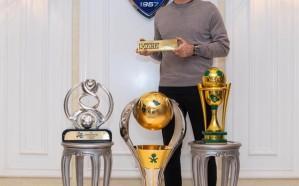 رازفان لوشيسكو ينضم لقائمة الاعضاء الذهبيين بالهلال