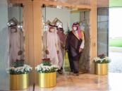 ولي العهد يستقبل ولي عهد أبوظبي لدى وصوله مطار الملك خالد الدولي في الرياض