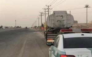ضبط قائد شاحنة سار بها في طريق سريع وأنوارها الخلفية متعطلة