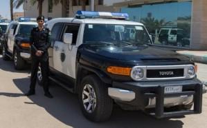 شرطة القريات تطيح بمواطن ابتز فتاة وبحوزته مواد مخدرة