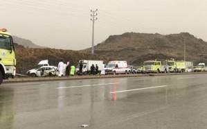 بالصور.. مصرع وإصابة 5 أشخاص من عائلة واحدة في حادث مروع بالباحة