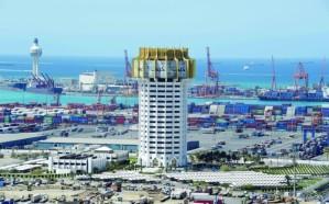 سوء الأحوال الجوية يوقف الملاحة في ميناء جدة