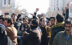 إيران تشن حملات اعتقال واسعة ضد المحتجين على الفساد