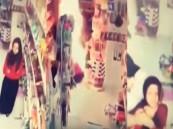 فيديو صادم لشاب يشعل النيران بجسد فتاة بعد رفض عائلتها زواجهما