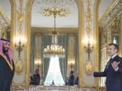 شاهد.. كيف مازح «ولي العهد» الحضور خلال «عشاء الإليزيه» في فرنسا