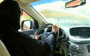 فيديو.. حقيقة تعرض امرأة لحادث أثناء تعلمها قيادة السيارة