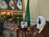 مدير شرطة نجران يستقبل الشيخ عبدالعزيز آل طالب