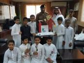 طلاب ابتدائية عثمان بن عفان بصامطة في زيارة للدفاع المدني