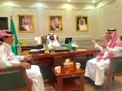 الدكتور آل مفرح يلتقي مدير تعليم مكة ويتفقد مدارس تعليم الكبار