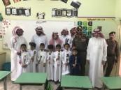 محافظ ميسان ورؤساء الدوائر الحكومية يدشنون اليوم الدراسي الأول بمدرسة الشعاعيب