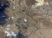 رائد فضاء عالمي يلتقط صورة فضائية لمكة ومغردون يتفاعلون معه