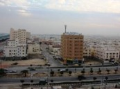 فيديو.. إخلاء شبه جماعي للوحدات السكنية المؤجرة بمدينة الجبيل.. لهذه الأسباب!