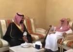 شاهد.. ولي العهد يزور الشيخ صالح الفوزان في منزله