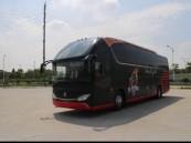 """بالصور..  """"آل الشيخ"""" يهدي الوحدة حافلة جديدة.. وهذه مواصفاتها!"""