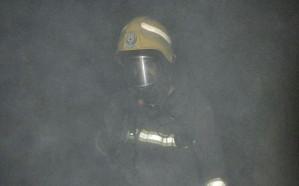 شاهد..  إصابة طفل إثر نشوب حريق بمنزل في حائل