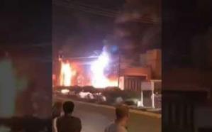فيديو.. اندلاع حريق هائل في أحد مطاعم جازان