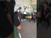 فيديو مثير لماجد عبدالله خلال زيارته لمخيم الزعتري بالأردن.. وهذا مافعله للاجئين!