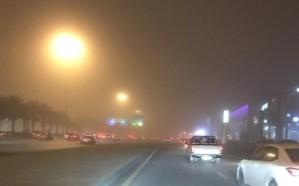 فيديو .. موجة غبار تغطي سماء الرياض