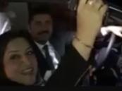 شاهد: نائبة عراقية تطلق أعيرة نارية في حفل زفاف.. وهكذا علقت