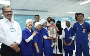 سعود الطبية تنهي معاناة طفلة حرمت من التنفس والبلع