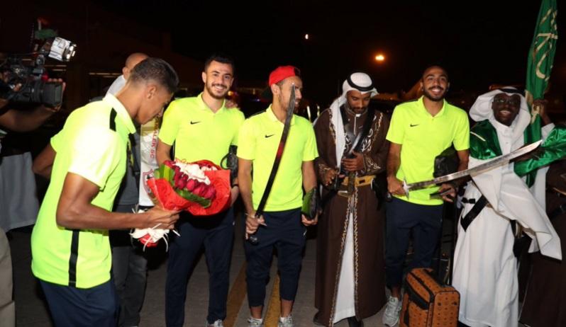 بعثة الزمالك تصل الرياض.. وآل الشيخ ينتقد طريقة استقبالها