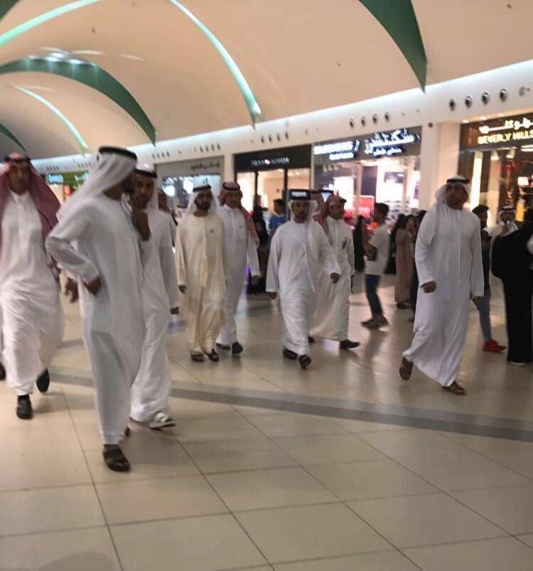 فيديو.. حاكم دبي يتجوَّل في الظهران مول