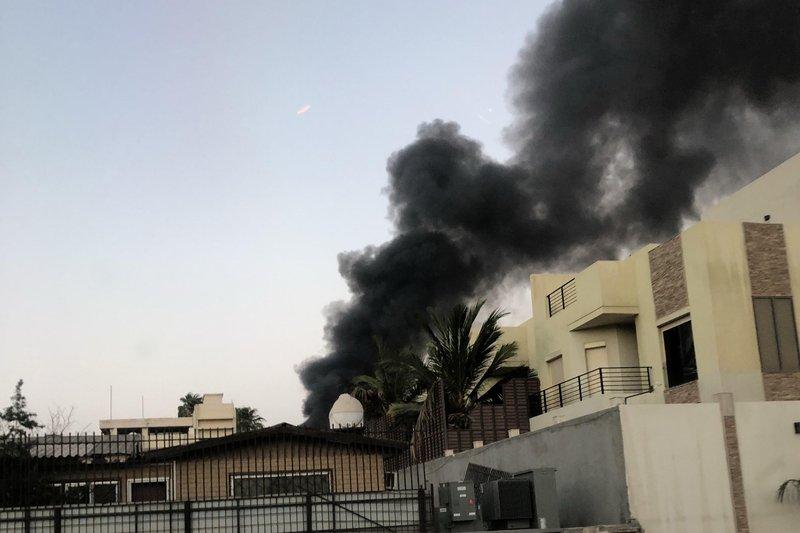 حريق ضخم في جدة يستدعي 19 فرقة إطفاء