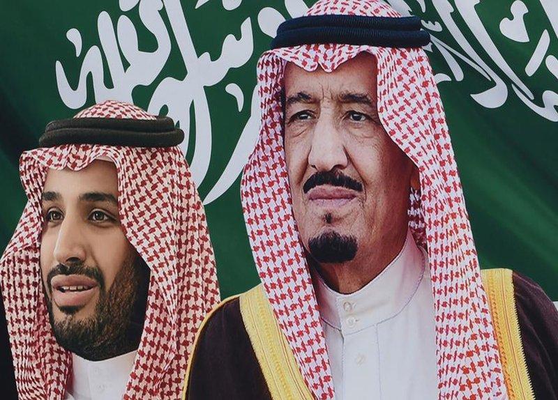 فيديو.. سعوديان يرسمان جدارية عجيبة للملك سلمان وولي العهد