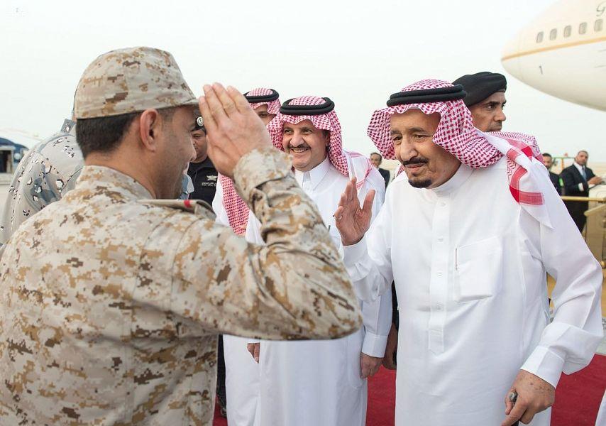 خادم الحرمين يصل الرياض قادمًا من المنطقة الشرقية